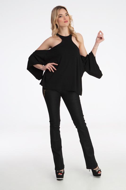 b9b25ed803f1 Γυναίκεια μπλούζα με ριχτά μανίκια έξω τους ωμούς. ύφασμα βισκόζη έχει  ελαστικότητα