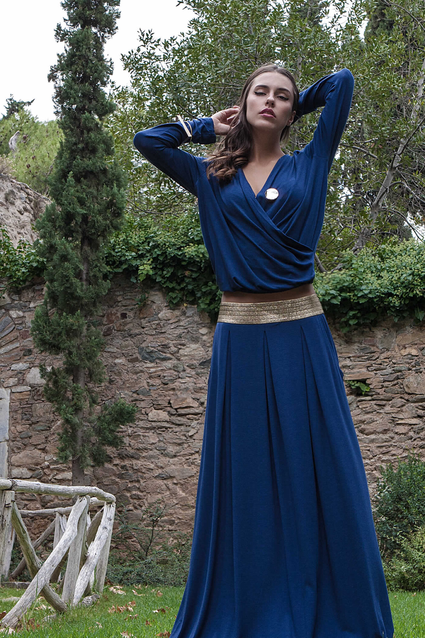Γυναίκεια πλεκτή μπλούζα κρουαζέ μαζί με το αξεσουάρ