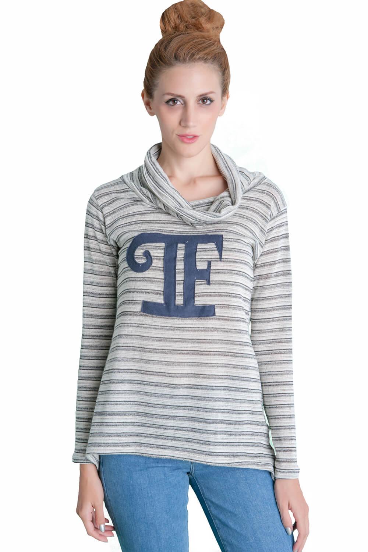 Γυναίκεια μπλούζα με μεγάλο ντραπε λαιμό και με τα αρχικά γράμματα PF
